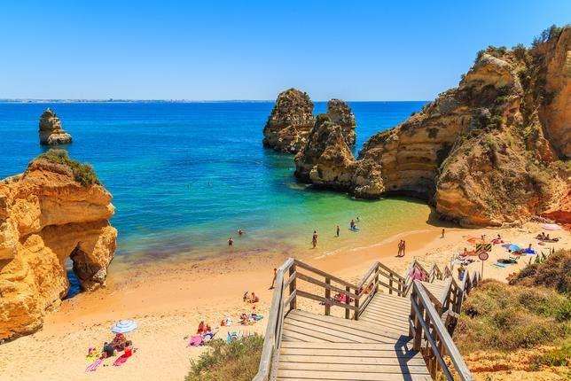 Algarve-Portugal - Portugal-Algarve-tourist town (17×12)