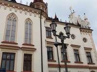 Rzeszów városháza. - Városháza a Rzeszów-i piacon.