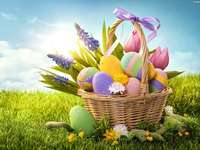 EASTER BASKET - PLACE THE PHOTO OF THE EASTER CARTOON