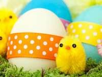 Galinhas e ovos de Páscoa