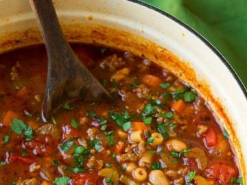 Zupa meksykańska - Pyszna zupa meksykańska. Fasola, kukurydza.
