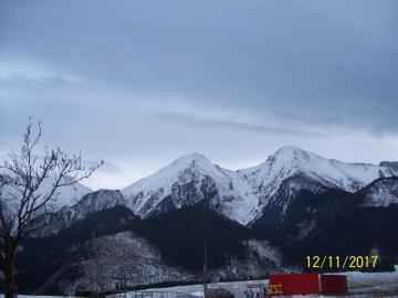 πανόραμα - θέα στα βουνά Τάτρα στη Σλοβακική πλευρά