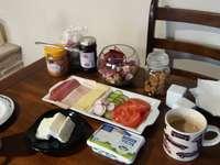 Śniadanie zdrowe i urocze.