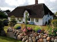 Casa de ingles - Edificio. Una antigua casa inglesa.