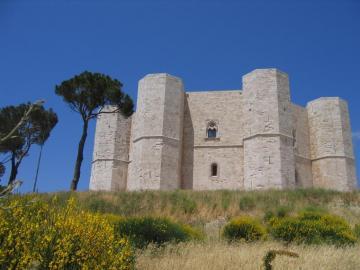 Castel del Monte - Fjzxdbcvjgbvkgvjkfvhfdsvfdhv