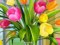 Tulipán csokor. - Tulipán csokor vázában.