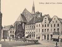 Marktplein van Kołobrzeg op oude fotografie
