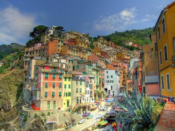 Cudowne miasteczko La Spezia Włochy - La Spezia Włochy to urocze miejsce.  La Spezia Włochy mimo, że kojarzy się głównie z portami,