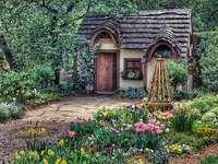 En stuga i trädgården. - Pussel: koja i trädgården.