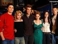 Météo de l'amour (anglais: One Tree Hill) - Météo pour l'amour (anglais: One Tree Hill) - une série télévisée américaine pour les je