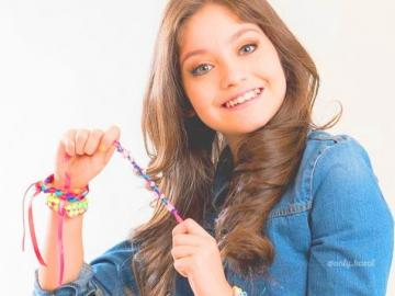 Luna Valente - Luna ist einfach, süß, entschlossen, nett, authentisch und hat keine Angst vor einem Mädchen. Er