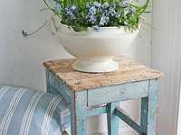 Флорална декорация - Украса за цветя у дома, сини цветя