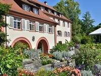 Ház kerttel