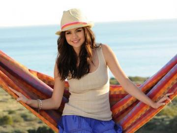 Selena Marie Gomez - Selena Marie Gomez (born July 22, 1992 in Grand Prairie) - American singer, actress and film produce