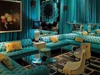 Interno blu del ristorante