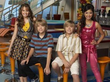 Nie ma to jak statek - Nie ma to jak statek (oryginalnie The Suite Life on Deck) – amerykański sitcom dla młodzieży, n