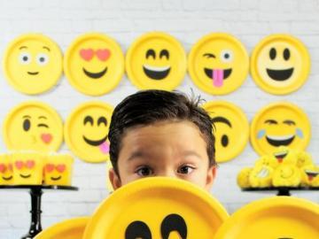 World Emoji Day - Den 17 juli firar vi World Emoji Day. Emoji är ett piktogram som används av Internetanvändare. Li