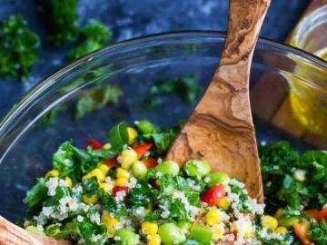 Ensalada de verduras - Una ensalada de verduras saludable para vegetarianos.