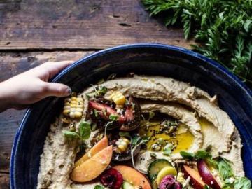 O tal vez hummus? - Hummus saludable y abundante con verduras