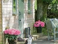 Ένα μικρό γοητευτικό σπίτι - Ένα μικρό γοητευτικό σπίτι