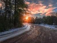 Coucher de soleil en hiver - Paysage. Coucher de soleil en hiver