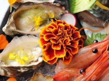 Krewetki i małże - Pyszna, egzotyczna kolacja. Krewetki i małże w sosie