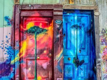 Sztuka na ulicy - Przepięknie pomalowane drzwi. Niesamowita sztuka, artystyczne puzzle online