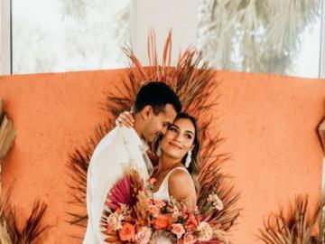 A beautiful wedding bouquet - Wedding bouquet in orange colors