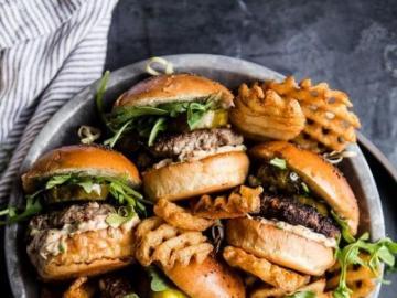 Snacks, hamburguesas - Hamburguesas sabrosas para la cena