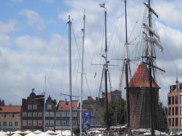 Gdańsk .. - yachts on the Motława ....