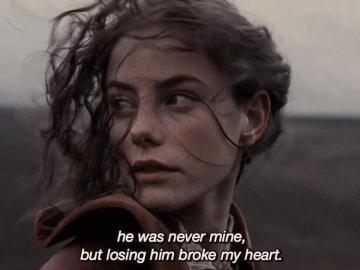 estás solo con tus pensamientos - nunca fue mío pero me rompió el corazón
