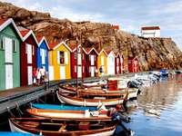 Kolorowe chatki w Szwecji - Krajobraz Szwecja, Europa. Piękny krajobraz Szwecji, czyli kolorowe domki.