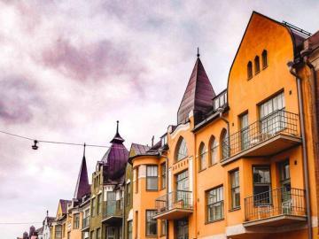 La capital de Finlandia, Helsinki. - Helsinki es la capital y ciudad más grande de Finlandia y la región de Uusimaa. La aglomeración i