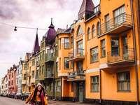 La capitale de la Finlande, Helsinki - Helsinki est la capitale et la plus grande ville de Finlande et de la région d'Uusimaa. L'
