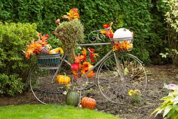 Garden decorations. - Puzzle: garden decorations.