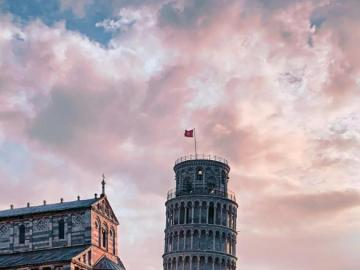 the leaning tower in pisa - pisa tuscany italia sighteeing