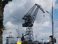 Кранове в корабостроителницата в Гданск. - Кранове в корабостроителницата в Гданск.