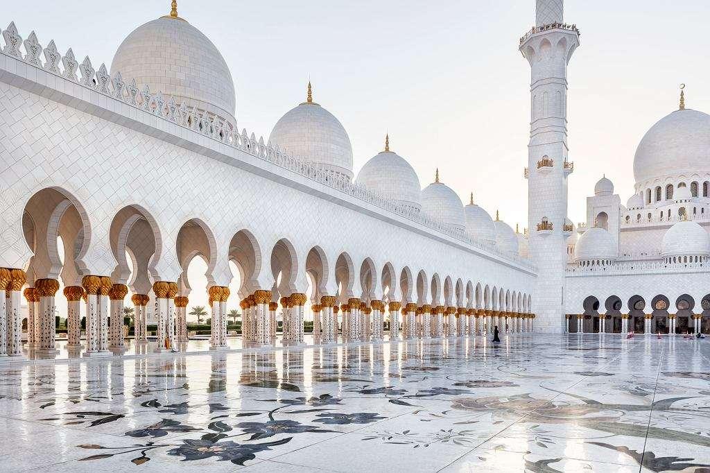 Moskee in Abu Dhabi - Building. Moskee in Abu Dhabi (10×10)