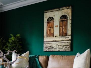 Bottled green and gold - A modern living room. Theme: bottled green.
