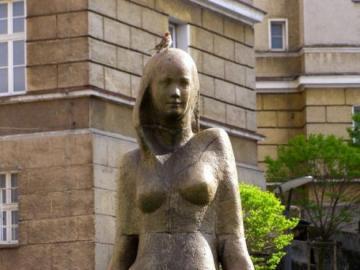 Winiarek - Winiaras monument in Zielona Góra
