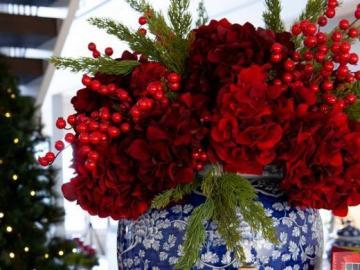 Czerwone kwiaty - Czerwone kwiaty na stole