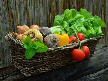basket with vegetables - basket with vegetables - photo from pixabay.com (CC license)