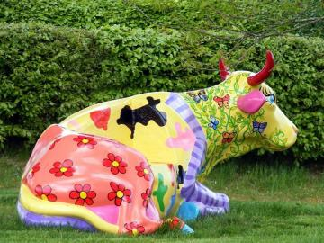colorful cow - colorful cow on grass - photo from pixabay.com (CC license)