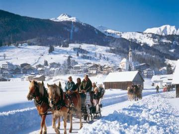 And in a hundred horses will not catch up - A great winter attraction