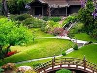 Um belo jardim tailandês