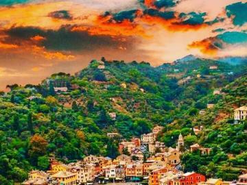 Stadt in Italien, Portofino - Portofino ist eine Stadt und Gemeinde in der Region Ligurien der Metropole Genua, etwa 25 km südös