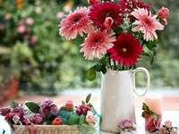 kleurrijke vaasbloemen