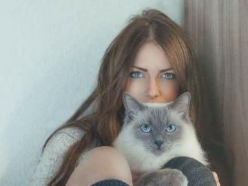 with kitty - Beautiful woman with a kitty