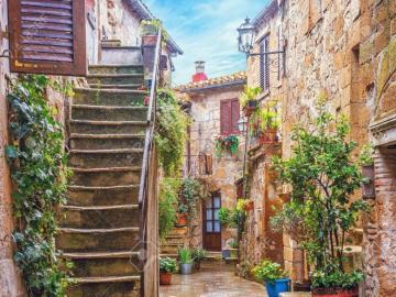 A charming Italian street in Tuscany - A charming Italian street in Tuscany