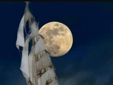 voilier  - voilier pendant une tempête